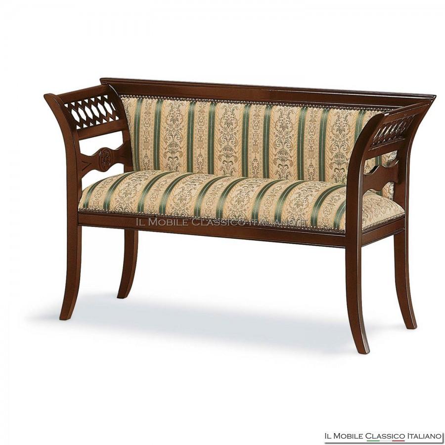 Divanetto imbottito in legno massello personalizzabile - Mobili classici in legno ...