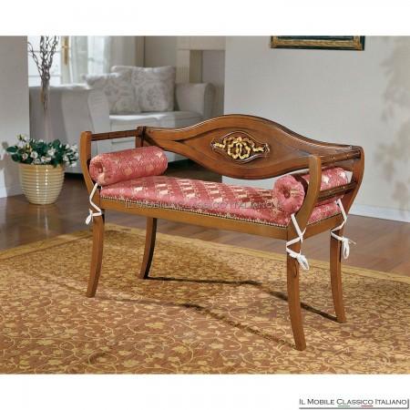 Divanetto imbottito in legno massello art. 176