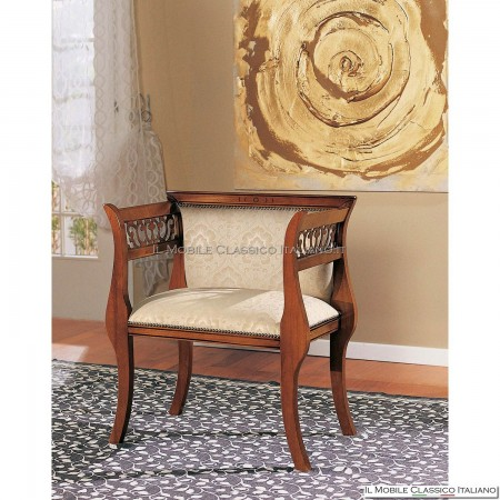 Poltroncina imbottita in legno massello art. 191