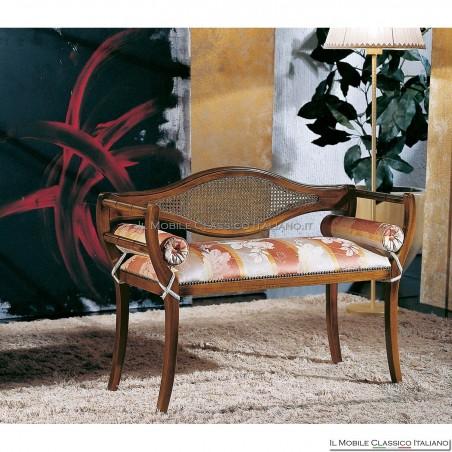 Divanetto imbottito in legno massello art. 182