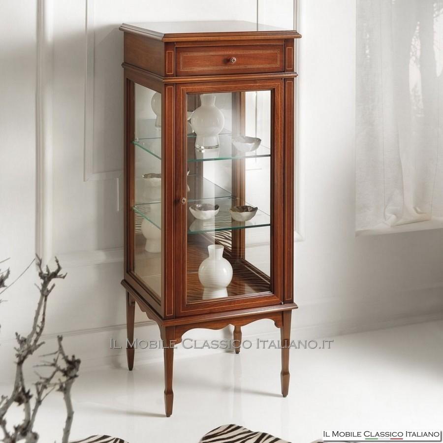 Vetrinetta classica in ciliegio arredamento classico for Arredamento case classiche