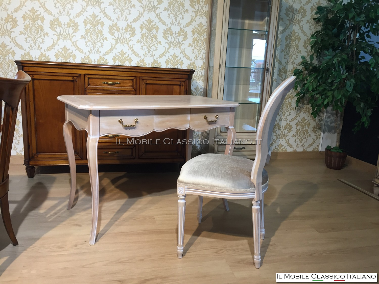 Scrivania e sedia personalizzati