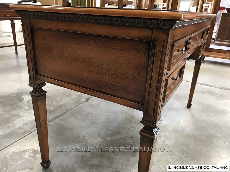 Scrivania design classico scrivania design mobili for Mobili classici italiani
