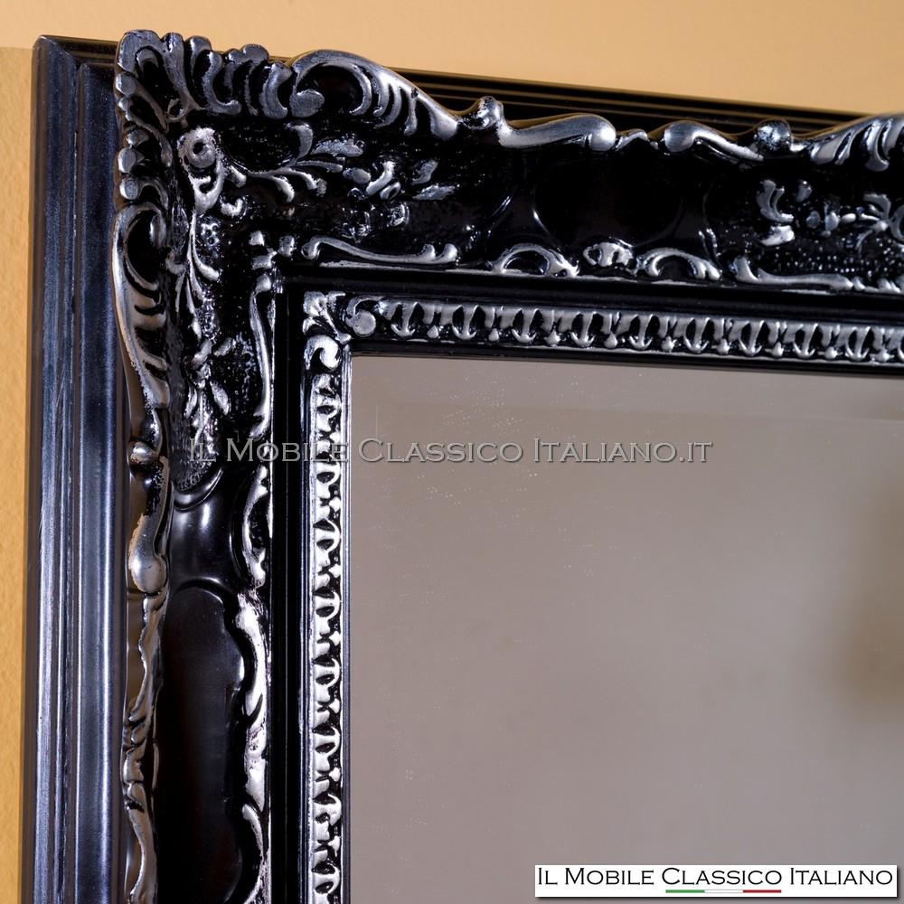 laccato nero opaco con particolari foglia argento brillante